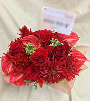 赤バラ、アンスリュームの楽屋花